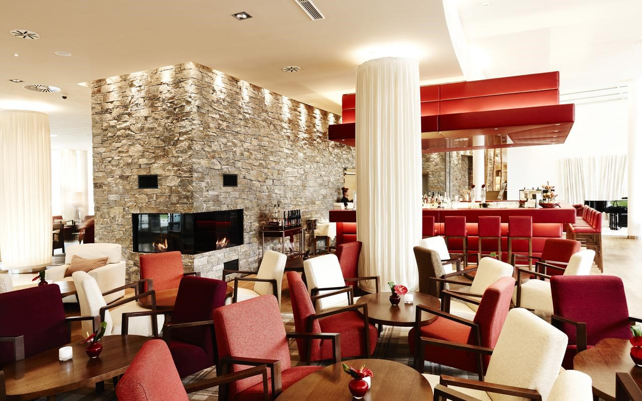 Tauern Spa Lobby Bar.jpg